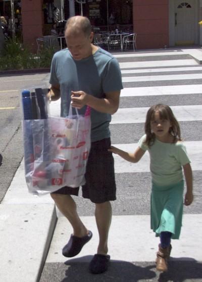 وودي هارلسون  وأبنته