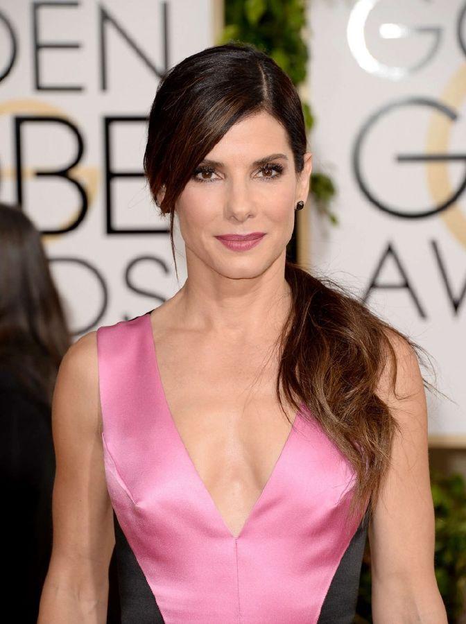 resized_Sandra-Bullock--Golden-Globe-2014-Awards--01-720x965