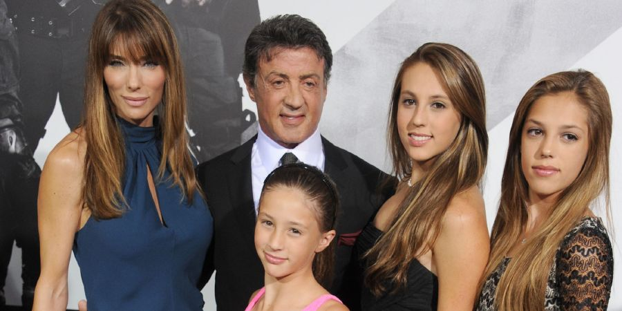 resized_o-SYLVESTER-STALLONE-FAMILY-facebook