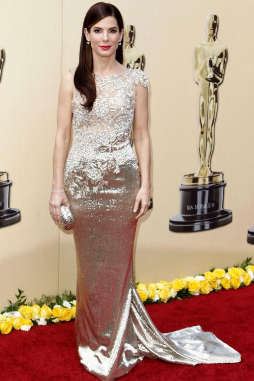 الفستان الشهير من Marchesa الذي نالت فيه جائزة الأوسكار عام 2010