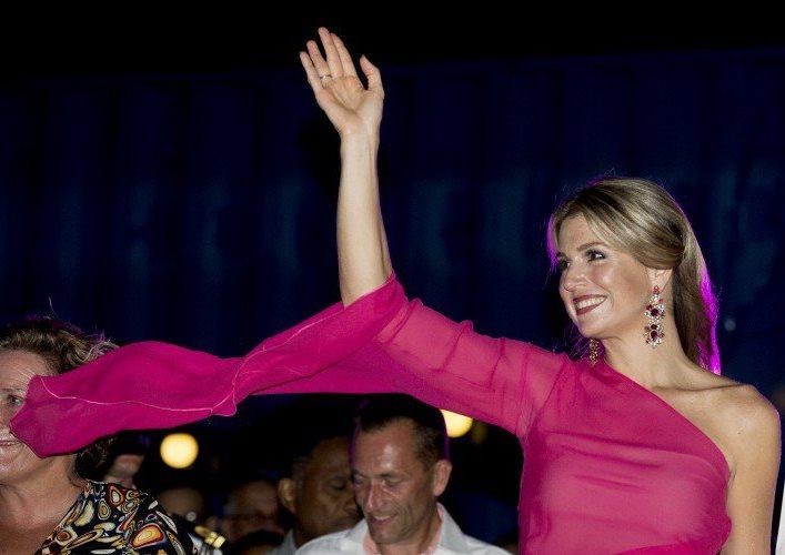 الملكة ماكسيما تحتفل في جزر الأنتيل الهولندية (2)