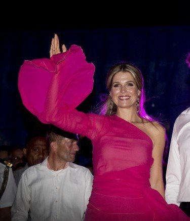 الملكة ماكسيما تحتفل في جزر الأنتيل الهولندية (6)