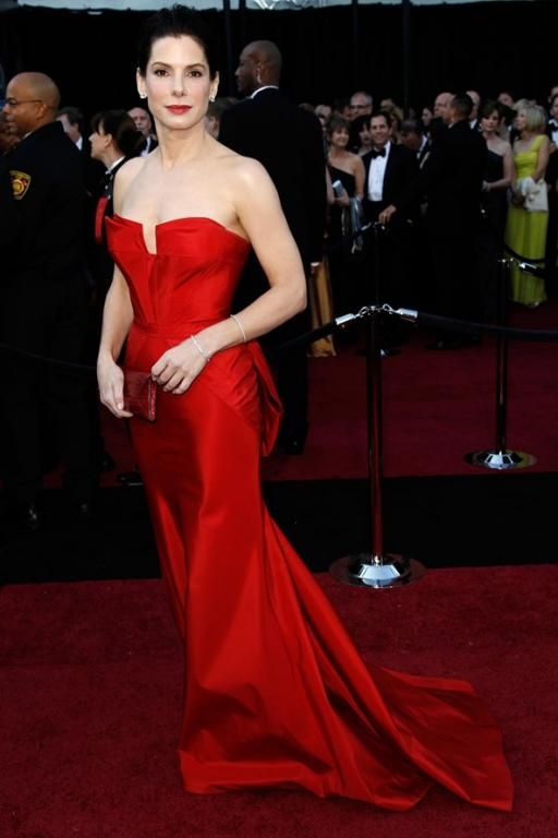 فستان أحمر من Vera Wang عام 2011
