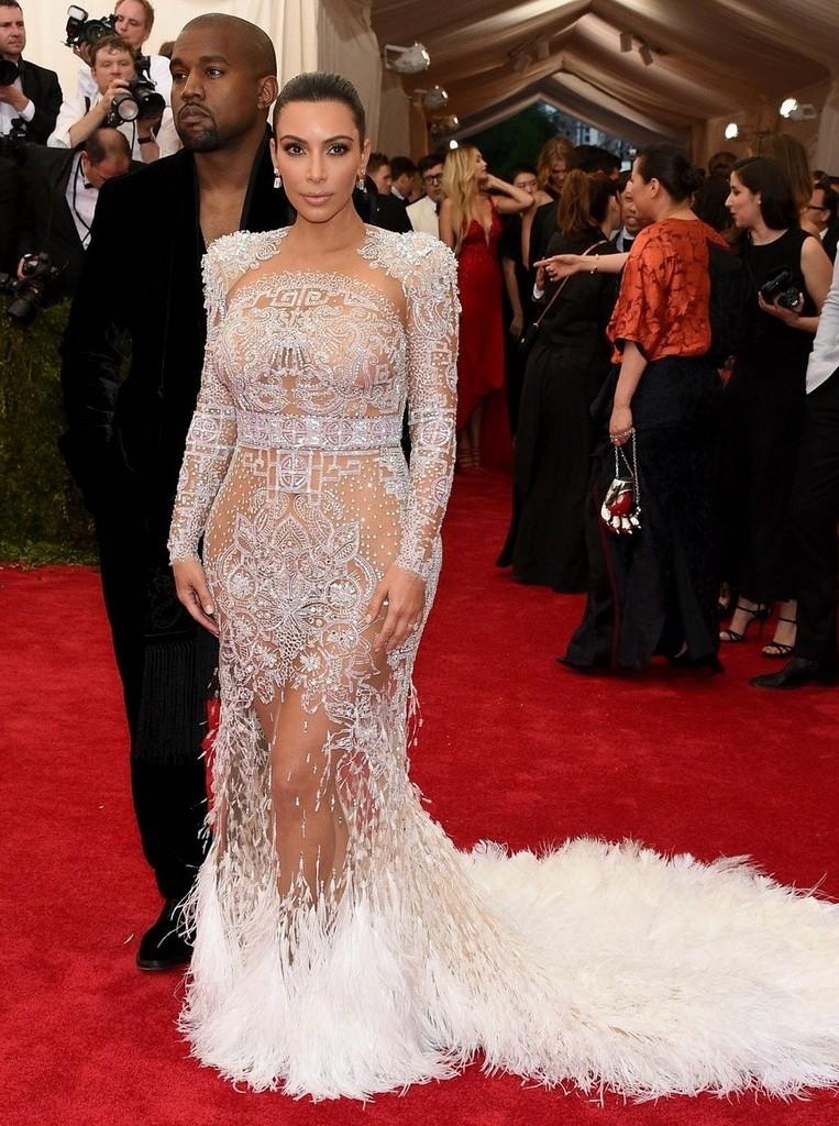 Beyonce-Jennifer-Lopez-Kim-Kardashian-Go-Completely-See-Through-at-MET-Gala-2015-Gallery-480159-6