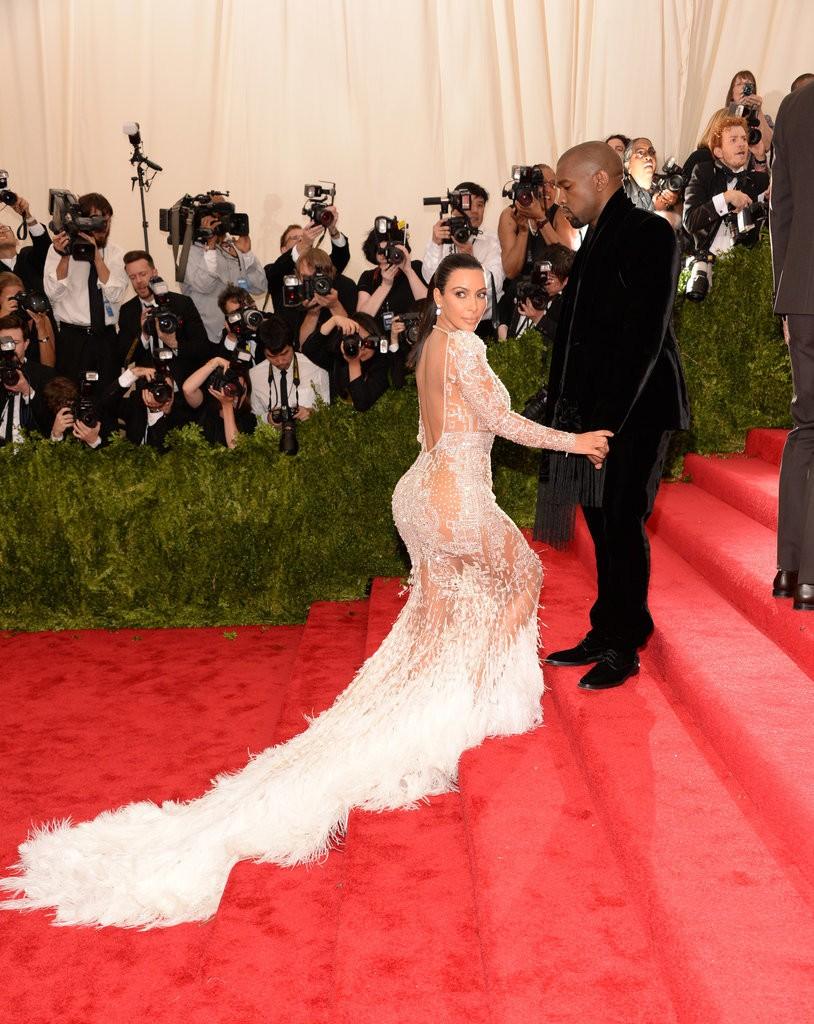 Kim-Kardashian-Kanye-West-Met-Gala-2015-Photos