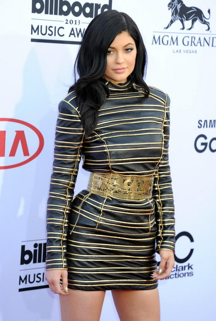 KylieJenner-13