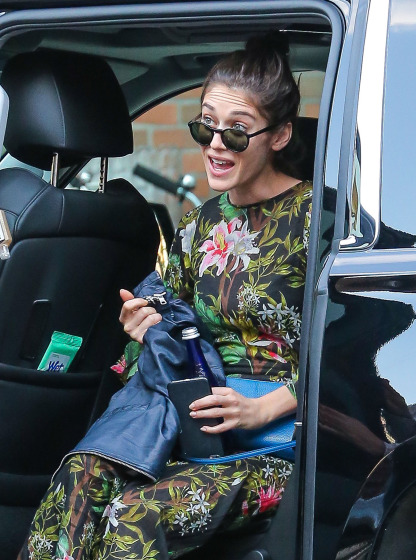 Lizzy Caplan Leaves The Bowery Hotel