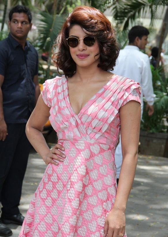 Priyanka-Chopra-at-Dil-Dhadakne-Do-Audio-Launch