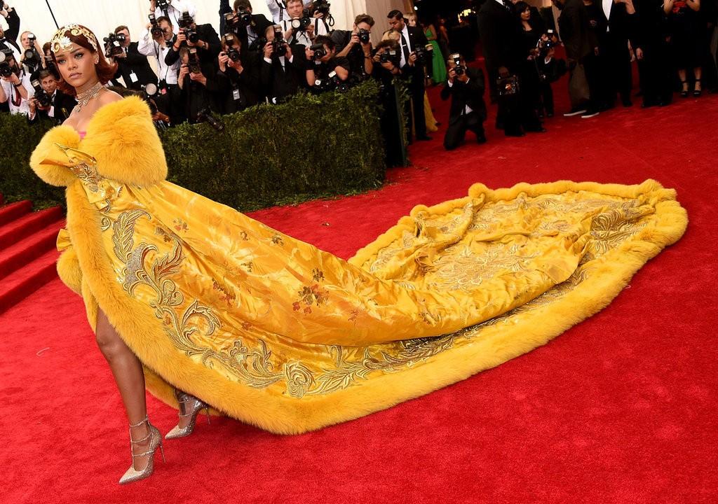 Rihanna-Met-Gala-2015-Pictures