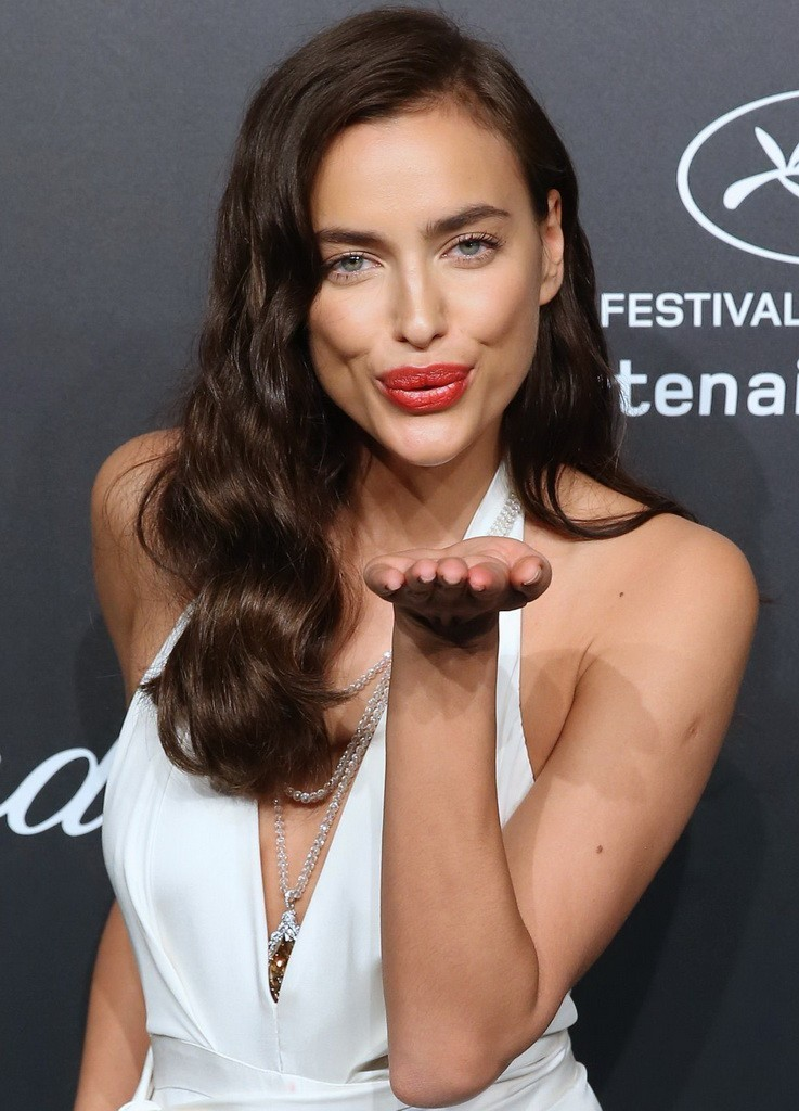 irina-shayk-soiree-chopard-gold-party-in-cannes_1