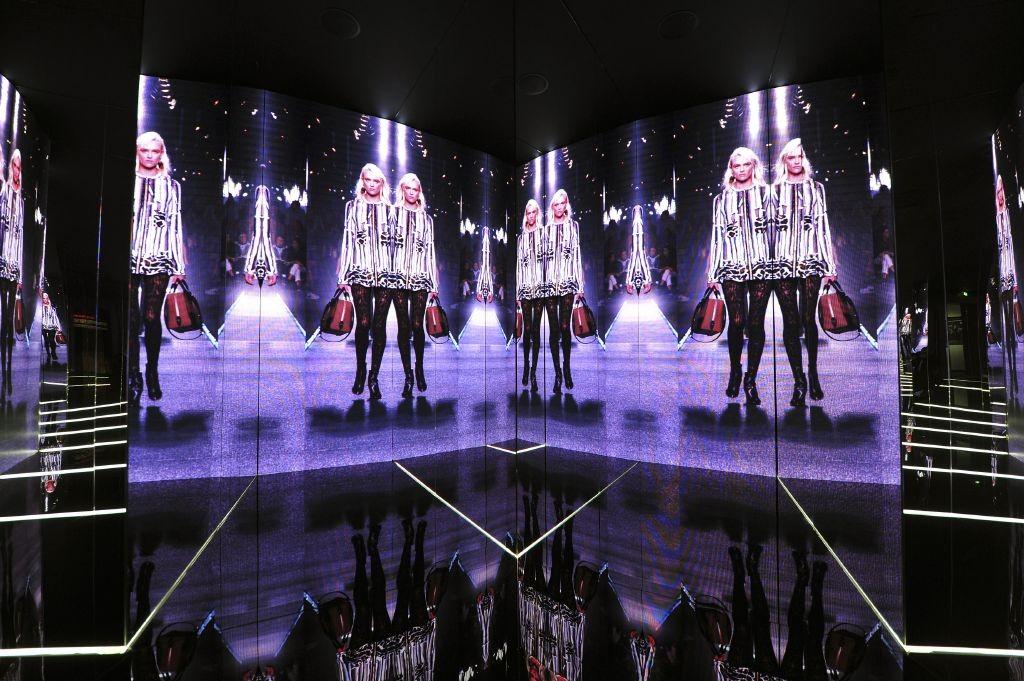 resized_01_Exhibition Series 2 Roma