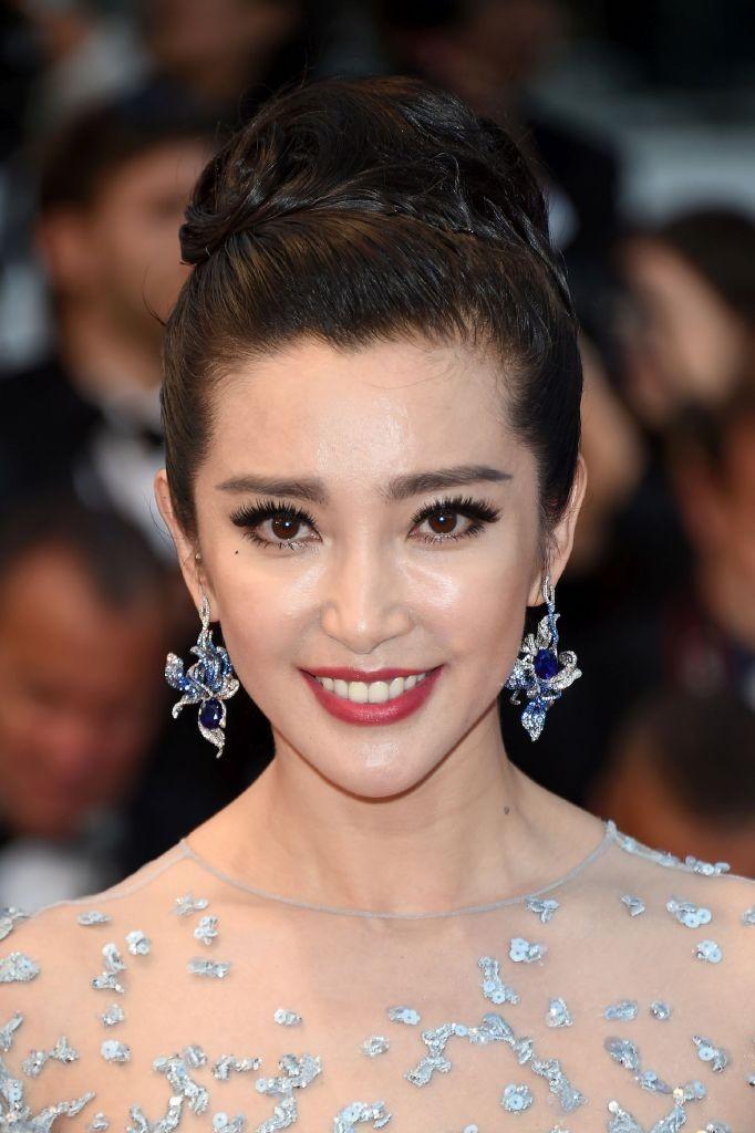 resized_BingBing Li Wears Cindy Chao - The Art Jewel 01