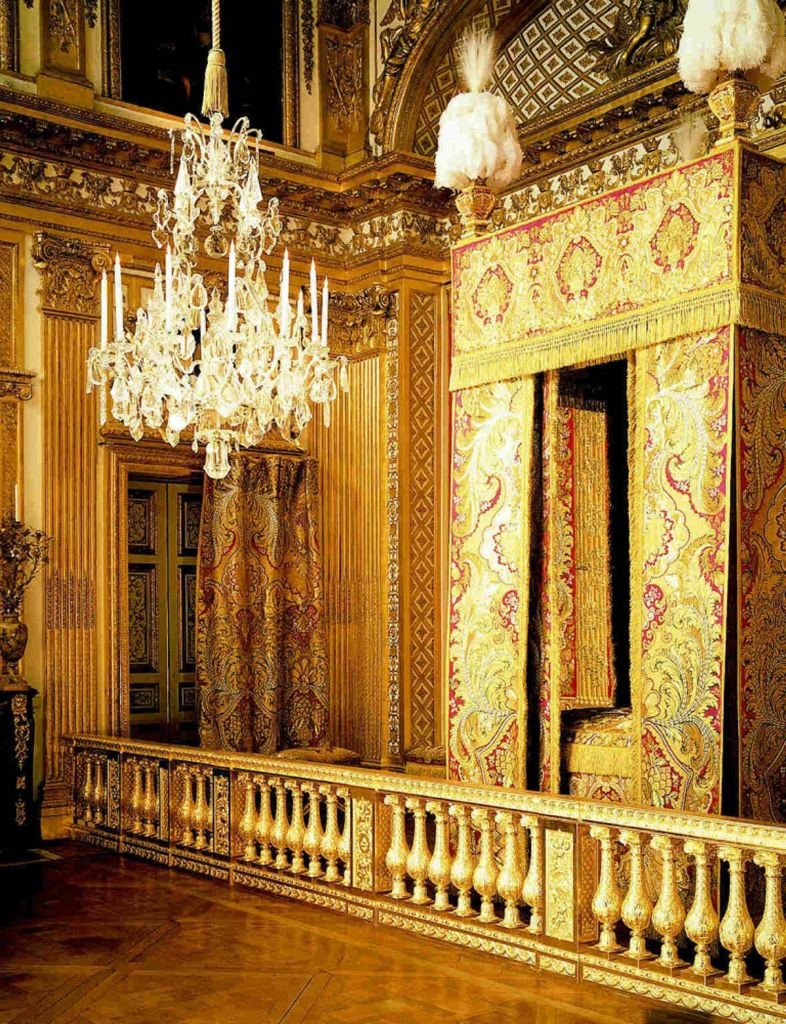 resized_Chandelier adorned with Swarovski crystals at Palace of Versailles, Paris