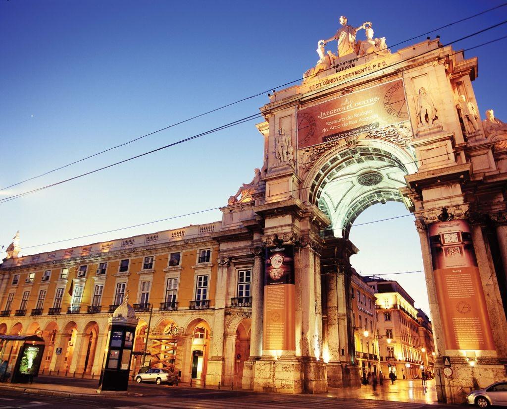 resized_Clock-restoration,Triumphal Arch on Augusta Street,-Lisbon©Espiral-do-Tempo