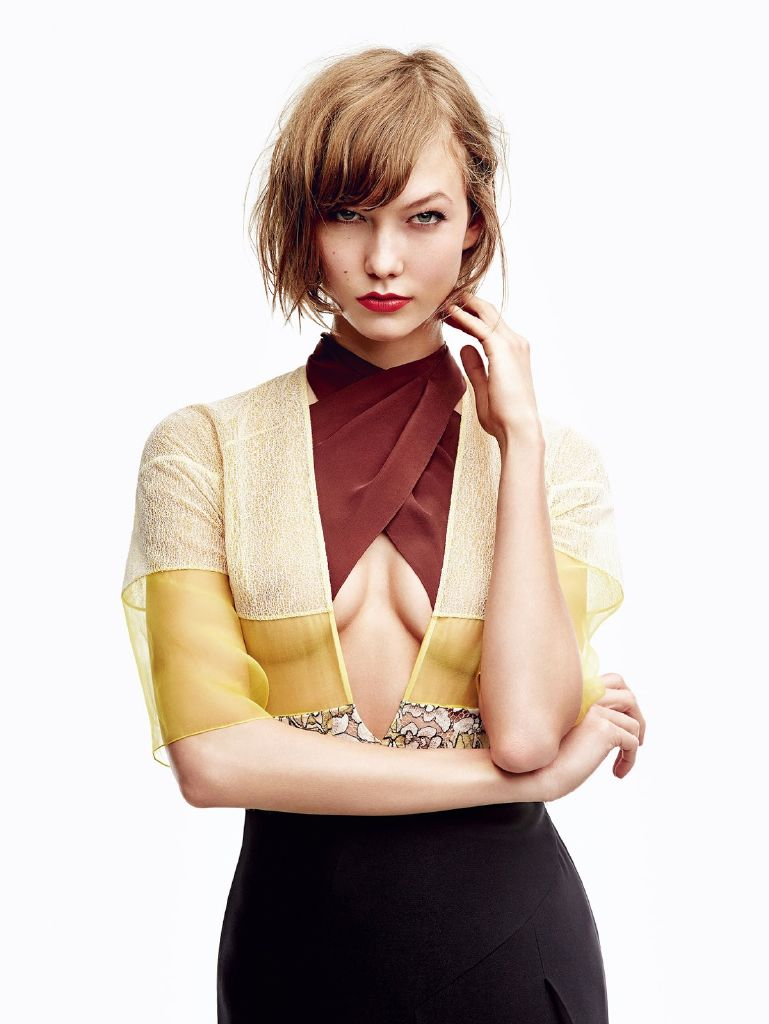 resized_Karlie_Kloss_by_Patrick_Demarchelier_for_Vogue_Japan_January_2014__2_