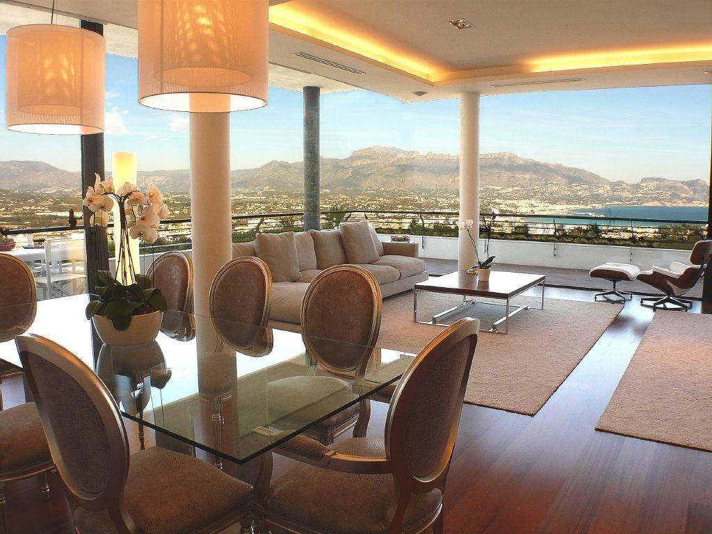 resized_Living room presidential suite