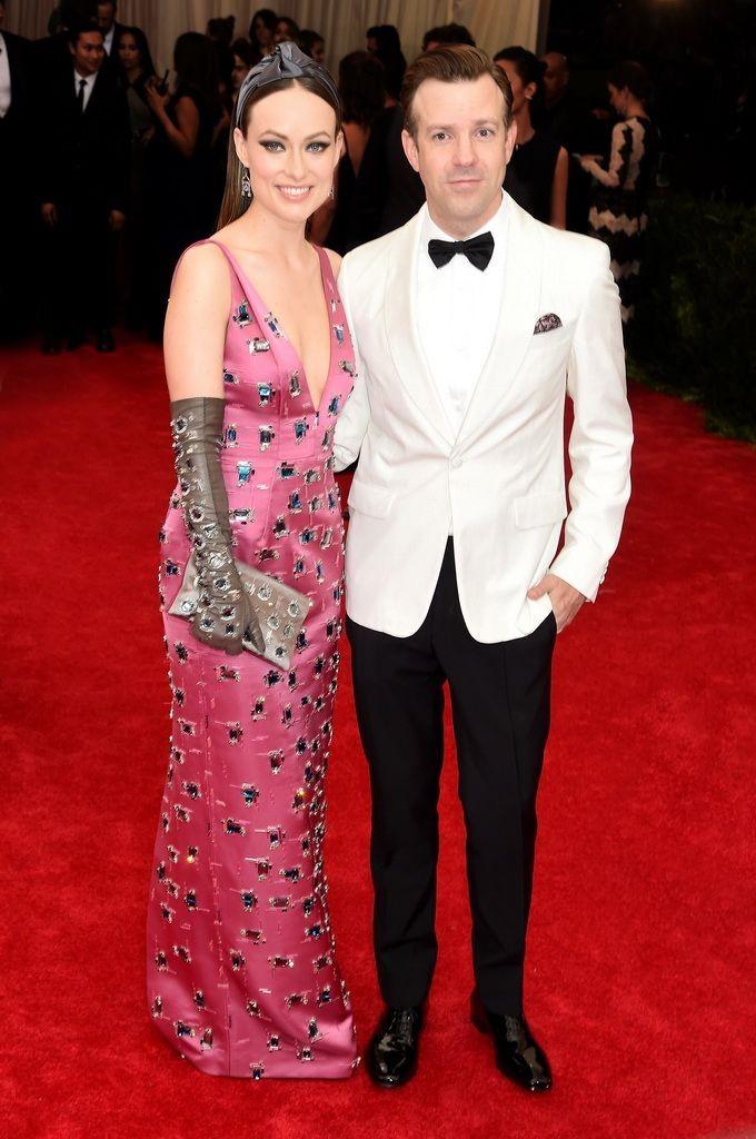 resized_Olivia Wilde_Jason Sudeikis_PRADA_2015 Metropolitan Museum's Costume Institute Gala_May 4 2015