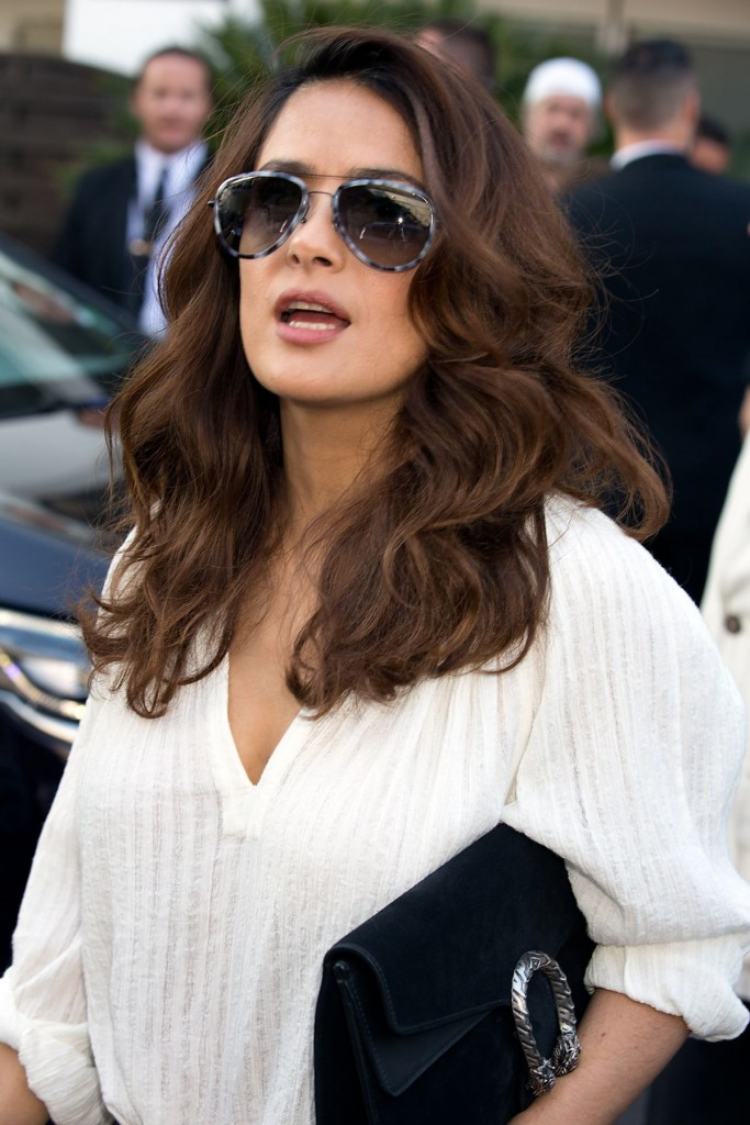salma-hayek-leaves-le-grand-palais-in-cannes-05-16-2015_1