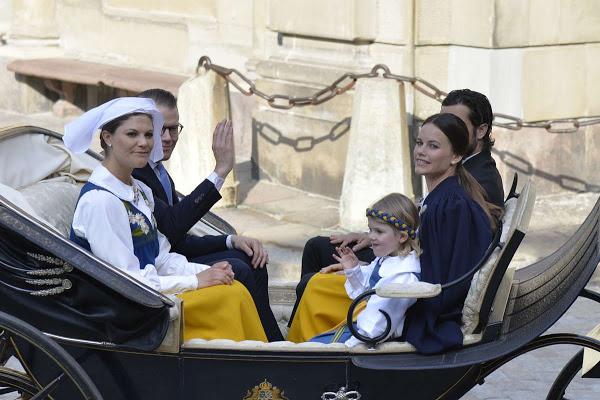 الأميرة مادلين ترتدي الزي التقليدي للسويد (2)