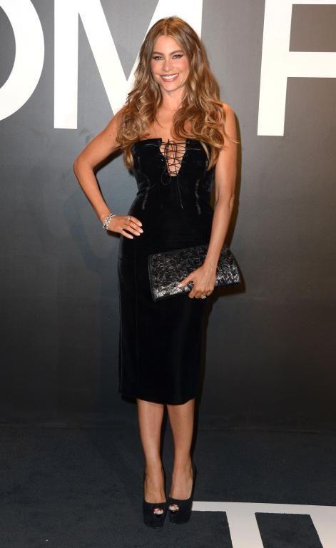 في فستان أسود أنيق من Tom Ford