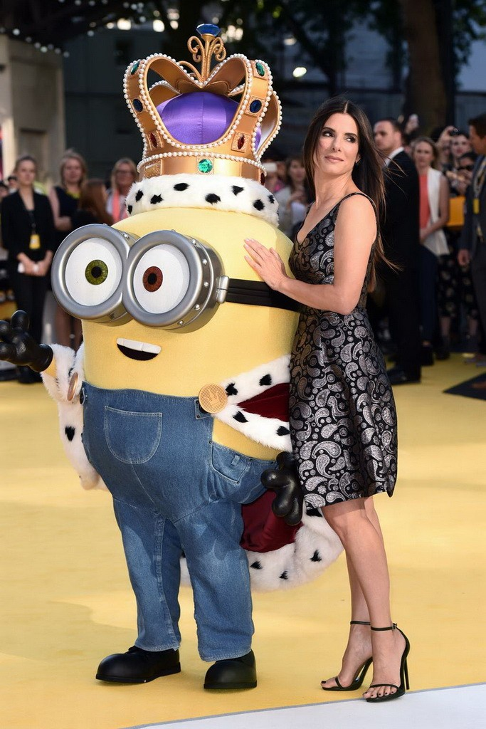 298B573F00000578-3120436-Is_she_really_a_baddie_Minions_sees_Sandra_voice_the_world_s_fir-m-99_1434047809937