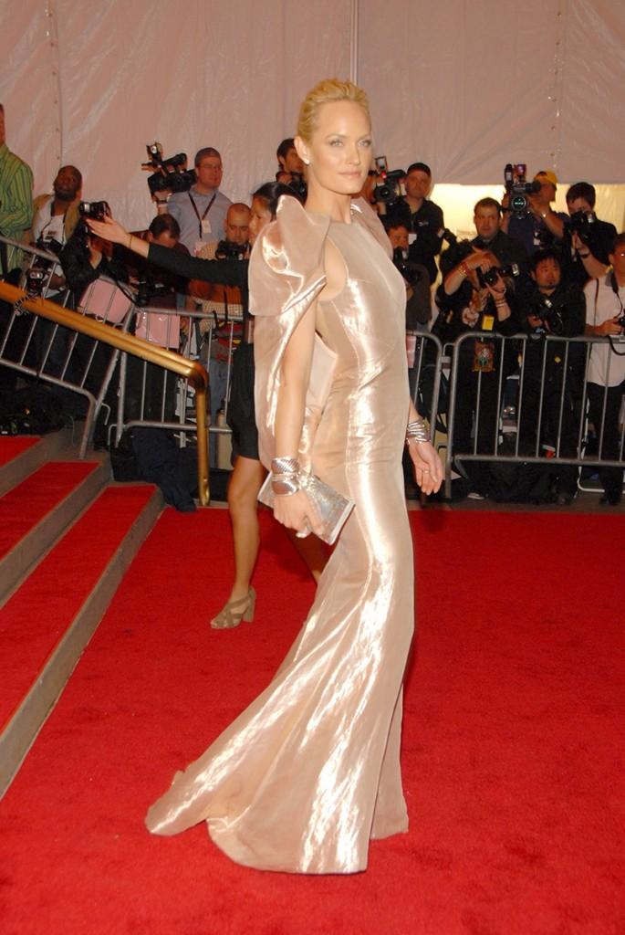 Amber Valletta in Atelier Versace