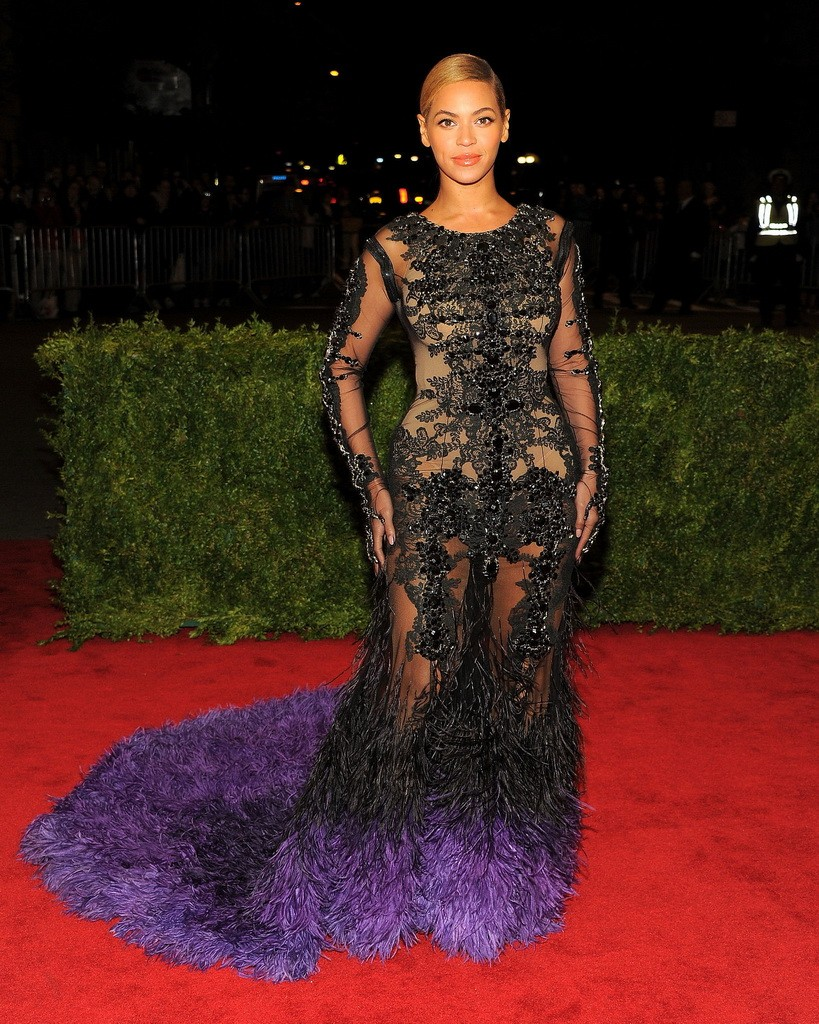Beyoncé in Givenchy Couture 2012