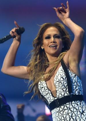 Jennifer-Lopez--Performs-in-Rabat--03-300x420