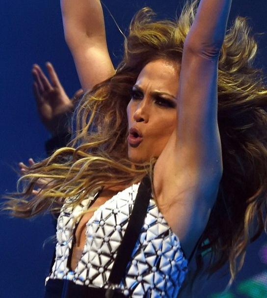 Jennifer-Lopez--Performs-in-Rabat--18-662x962