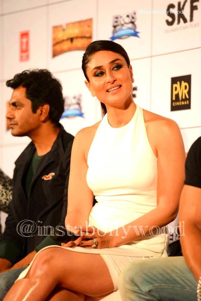 Kareena-Kapoor-Khan-Bajrangi-Bhaijaan-Trailer-Launch-Pics-in-White-Dress