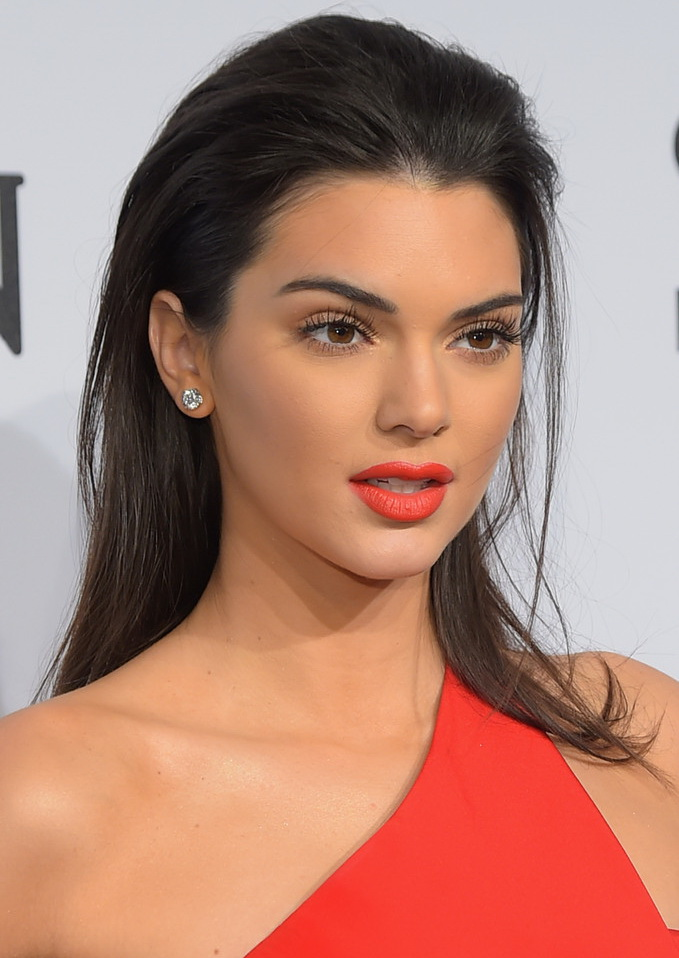 Kendall+Jenner+Long+Hairstyles+Long+Straight+q3MmKURfXCLx