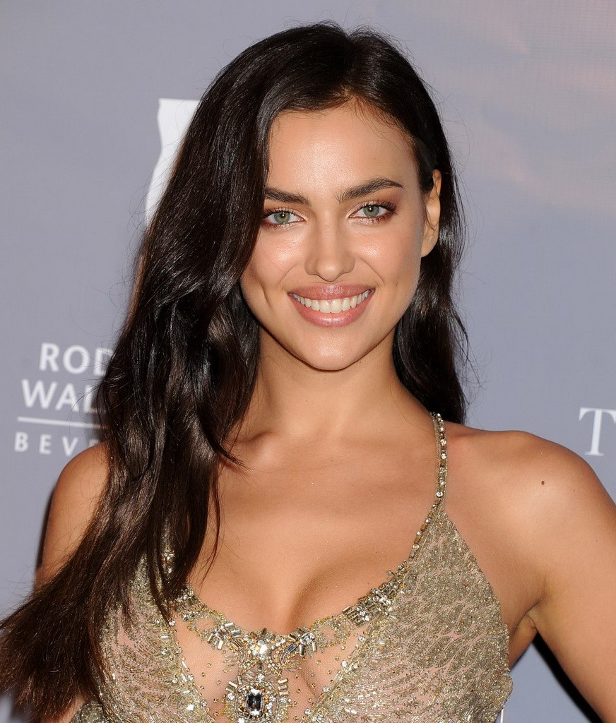 irina-shayk-at-2014-rodeo-drive-walk-of-style-_1