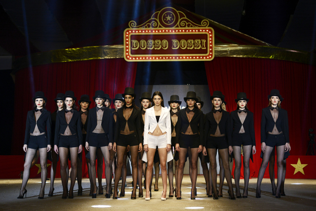 kendall-jenner-dosso-dossi-fashion-show7-640x427