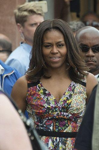 resized_ميشيل أوباما تزور الجناح المصري بـبينالي فينسيا الدولي للفنون (8)
