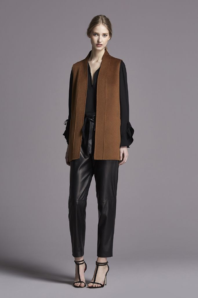 resized_CH_woman_look_FW15_03