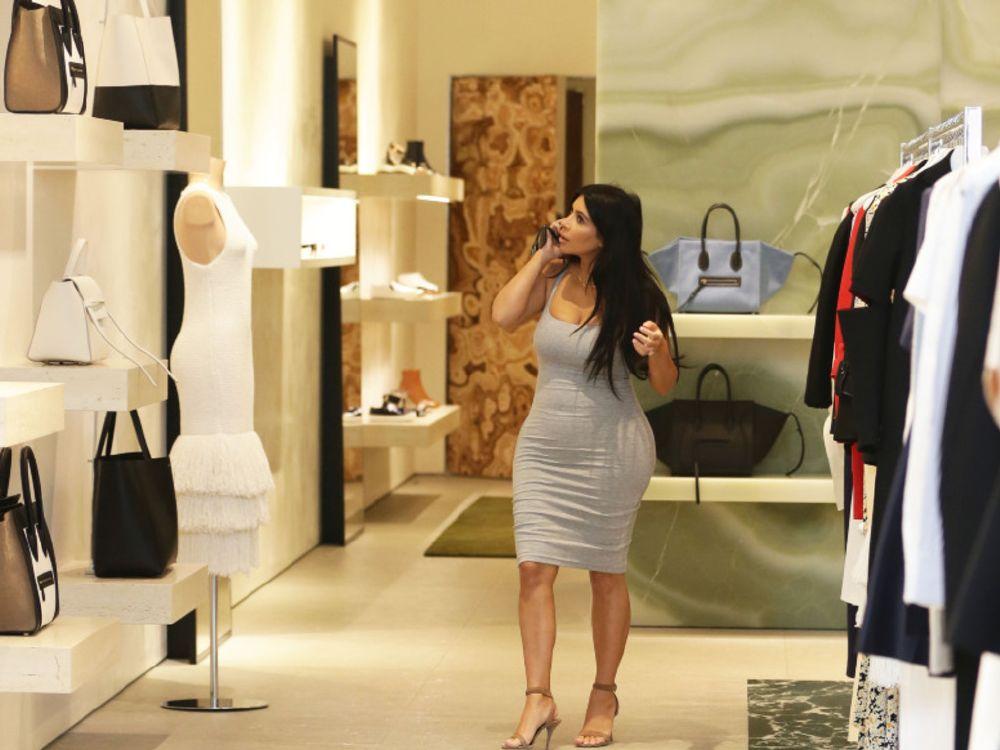 resized_Kim-Kardashian-fait-du-shopping-a-Beverly-Hills-le-12-juin-2015_exact1024x768_l