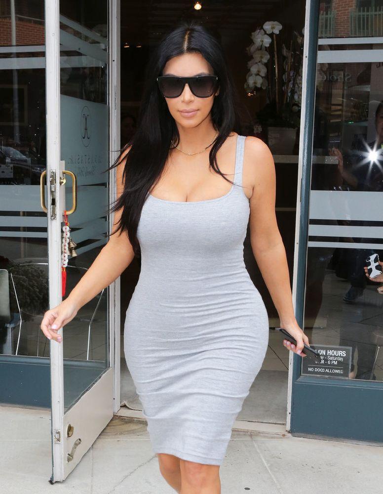 resized_Pregnant-Kim-Kardashian-Shopping-Beverly-Hills-2015