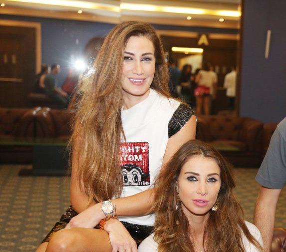 أنابيلا-هلال-وشقيقتها-11-575x630