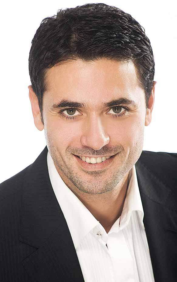 احمد عز (2)