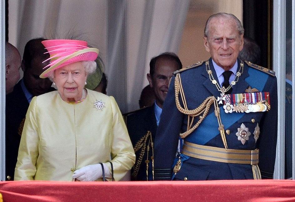 الملكة إليزابيث تحي المحاربين القدامى في الذكرى الخامسة والسبعين  (14)
