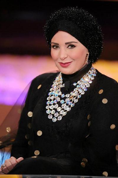 صابرين ارتدت الاسود في اطلالة الحجاب