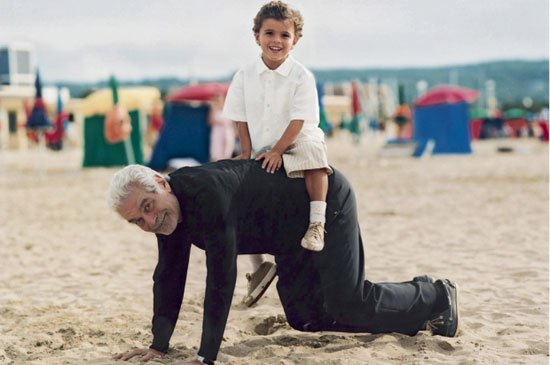 عمر الشريف مع حفيدة كريم