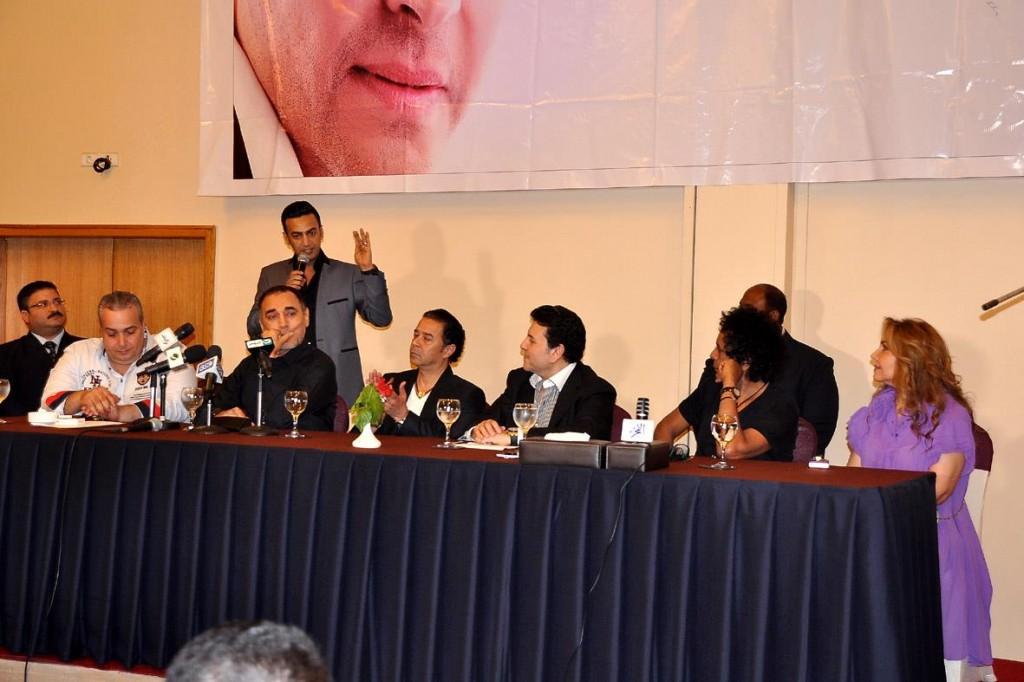 محمد منير ومدحت صالح ونادية مصطفى على مائدة دعم هانى شاكر