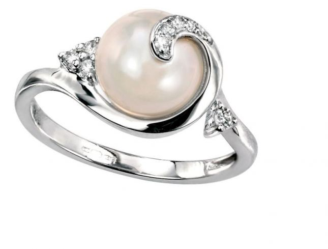 1432734514_pearl-wedding-rings-an-introduction-to-pearl-engagement-rings-8