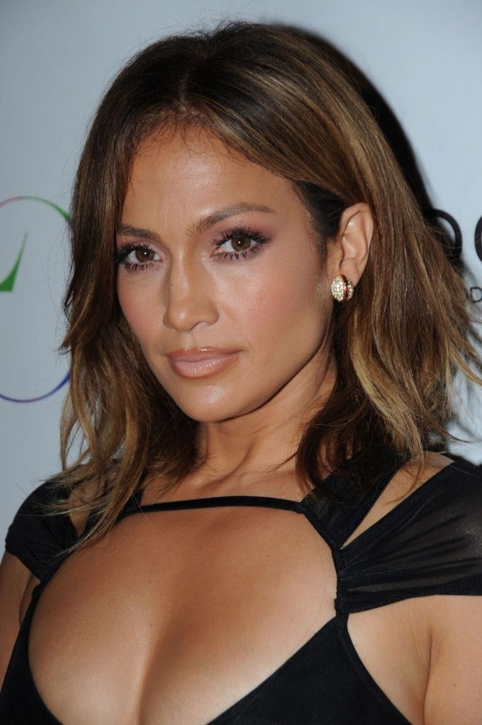 Jennifer-Lopez-Birthday-1OAK-NY-1-680x1024