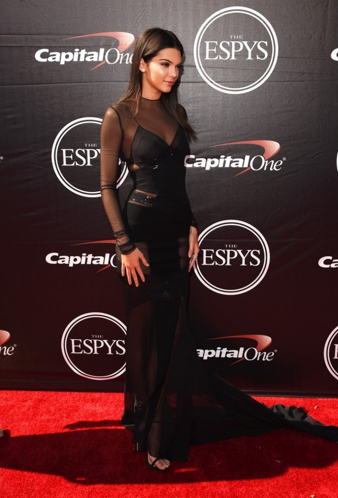 Kendall-Jenner-2015-ESPY-Awards-Alexandre-Vauthier--1024x1506