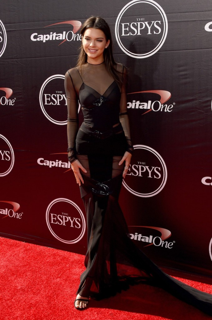 Kendall-Jenner-2015-ESPY-Awards-Alexandre-Vauthier-ab-1024x1542