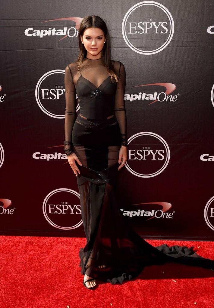 Kendall-Jenner-2015-ESPY-Awards-Alexandre-Vauthier-dress-1024x1476