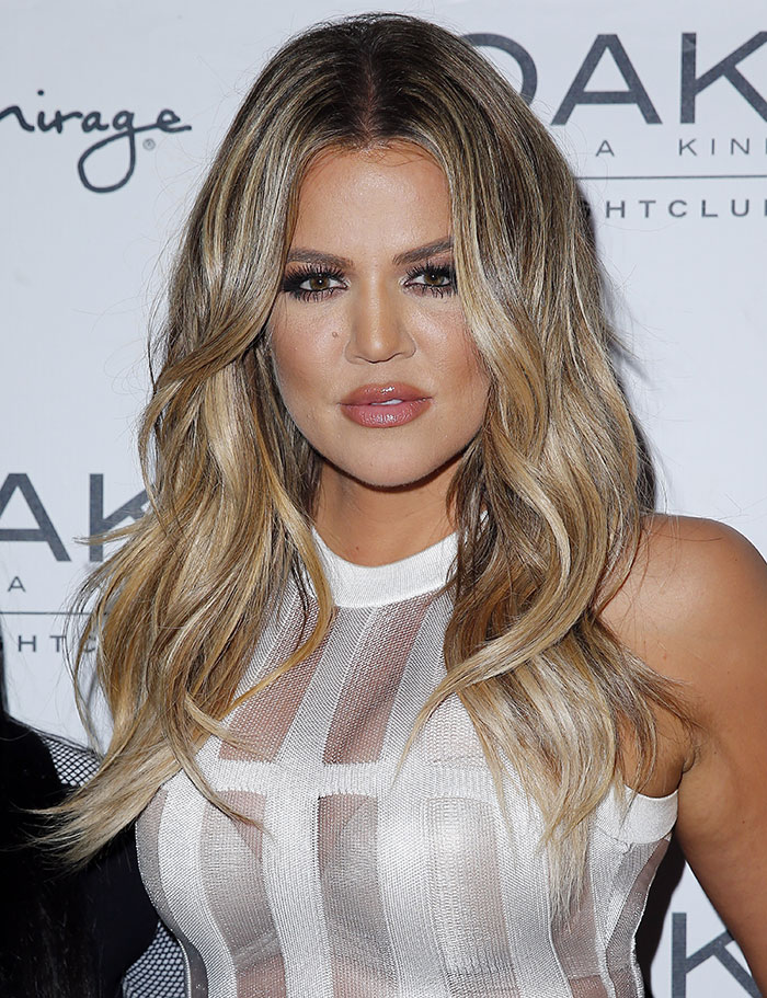 Khloe-Kardashian-at-1-Oak-nightclub-Las-Vegas