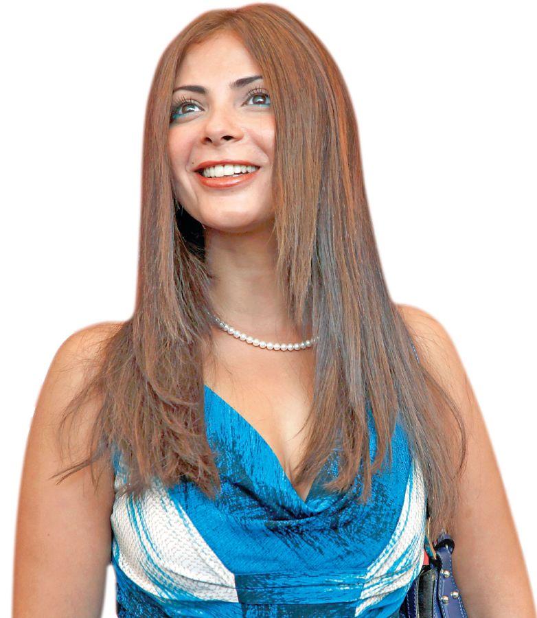 Mona Zaki (1)